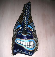 Tiki African Mask on Palm frond Palm Tree Crafts, Palm Tree Art, Palm Trees Beach, Palm Frond Art, Palm Fronds, Tiki Faces, Tiki Mask, African Masks, Pallet Art