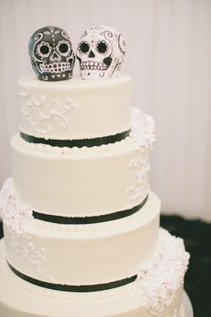 sugar skull wedding cake - Google Search