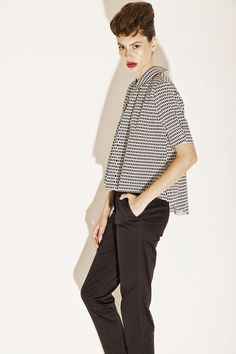 """""""Ellen"""" shirt - black and white Womens Fashion For Work, Work Fashion, Business Casual Trousers, Black And White Shirt, Oversized Blouse, Loose Shirts, Jacquard Fabric, Powerful Women, Wearing Black"""