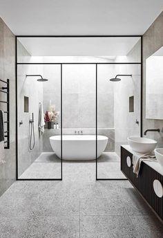 Alisa y Lysandra de The Block renuevan una casa histórica Modern Master Bathroom, Neutral Bathroom, Modern Bathroom Design, Bathroom Interior Design, Master Bedroom, Master Bathrooms, Minimal Bathroom, White Bathroom, Master Baths