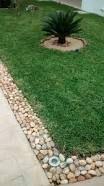 Resultado de imagen para jardines pequeños con piedras de rio