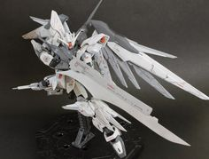 "GUNDAM GUY: RG 1/144 Freedom Gundam ""Reginleif"" - Customized Build"