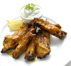 Curried Lamb Ribbetjies [small ribs] with Mint Yoghurt (for Try this delicious traditional South African marinade for your next barbeque. Duck Recipes, Lamb Recipes, Meat Recipes, Dinner Recipes, Recipies, Lamb Dinner, Lamb Ribs, Banting Recipes, South African Recipes