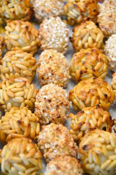 """SPAIN - Panellets, traditional small sweets with almond eaten in Catalonia during a festivity called """"la Castanyada"""". Trifle Desserts, Delicious Desserts, Yummy Food, Dessert Recipes, Barcelona Food, Easy Recipes For Beginners, Spanish Food, Food Porn, Food And Drink"""