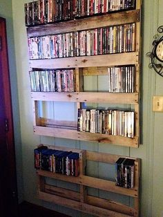 pallet book shelf diy