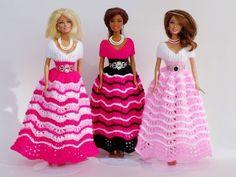 Puppenkleid stricken // Ballkleid für Puppen Pet Clothes, Doll Clothes, Fashion Dolls, Fashion Outfits, Barbie Gowns, Barbie Doll, Crochet Barbie Clothes, Barbie Patterns, Knitted Dolls