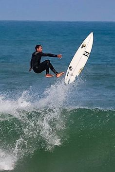 Surf Line, Surfing Tips, Surfer Boys, Surf Trip, Surf Wear, Pictures Of People, Surf Style, Surf Girls, South Pacific