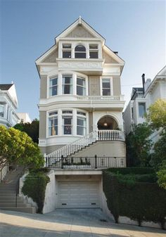 The opulent Victorian mansion that was home to the Salinger family in Party of Five. The mansion boasts Golden Gate Bridge & Bay views from all levels, a huge kitchen with solarium, walk-out garden, soaring cathedral ceilings.