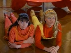 The Robinson daughters on the Lost in Space tv series. Space Tv Series, Space Tv Shows, 2001 A Space Odyssey, Tv Girls, Sci Fi Tv, Old Shows, Lost In Space, Vintage Tv, Young Models