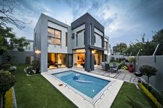 4 bedroom cluster for sale in Sandown - Simply delicious! Property for sale in Gauteng, Sandton, Sandown Private Property, Property For Sale, Beautiful Homes, Modern Homes, Mansions, Bedroom, House Styles, Outdoor Decor, Explore
