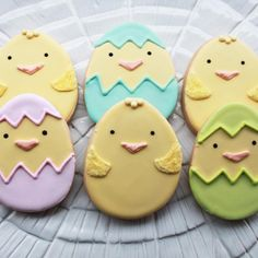 Hatching Chicks Easter Cookie