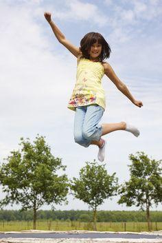 Hooi Hooi...lekker springen op de trampoline op FarmCamps Hoeve Sonneclaer Fitness, Kids, Young Children, Boys, Children, Boy Babies, Child, Kids Part, Kid
