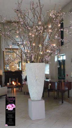 Event Decor, Planter Pots, Trees, Vase, Entertaining, Weddings, Beautiful, Home Decor, Homemade Home Decor