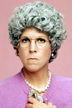 MAMA knows best ! I love her, always ! When mama is in a mood, ya better stay clear ! Grey Hair Cure, Stop Grey Hair, Gray Hair, Celebrities Then And Now, Carol Burnett, Family Show, Family Tv, Family Humor, Old Tv Shows