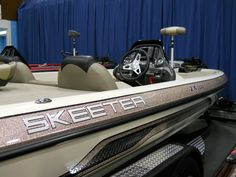 New 2013 Gold Glitter Skeeter ZX200 Boat     https://www.youtube.com/user/Viewwithme