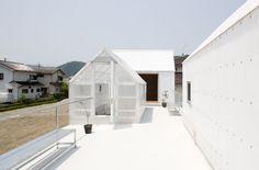 ++ JA+U : House in Yamasaki by Yo Shimada ©Shinkenchiku-sha