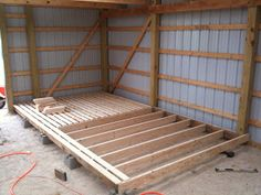 pallet-style flooring for hay storage inside barn Horse Hay, Horses, Horse Feed, Barn Layout, Horse Farm Layout, Cattle Barn, Horse Barn Designs, Horse Shelter, Small Barns