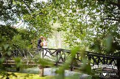 #bruidsfoto #bruidsfotografie #heemstede #trouwfoto #fotograaf-hellevoetsluis Deze Vlaamse bruid en Hollandse bruidegom ontmoet ik al in april 2013 op het strand van Hellevoetsluis voor een Loveshoot. Trouwplannen zijn er dan al en de foto's zullen gebruikt worden voor de trouwkaart, dan wordt het even stil. Tot in dit voorjaar weer de telefoon gaat, het huwelijk was…