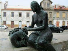 Bobbin lace statue by Ilidio Fontes, Vila do Conde