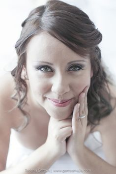 Bridal - Lovely image of the bride. #dreamwedding #ruchebridal