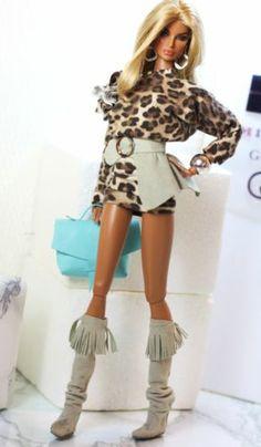 Dollsalive, fashion royalty, fr2, barbie outfit, animal print dress, grey boots