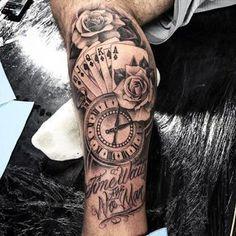 "6,738 mentions J'aime, 17 commentaires - Em Morris (@artisticendeavorsem.morris33) sur Instagram : ""Amazing artist Jeffry Mendoza @mendozajeffry awesome roses clock cards script leg tattoo!…"""