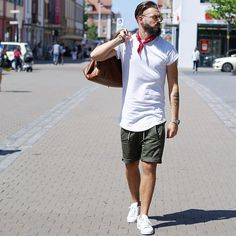 Streetstyle.  Today was so sunny ☀️ T-Shirt by @yezz.clothing  Short by @zara  Shoes by @adidasoriginals  Bag by @hm  And now some Sushi with my good friends @igor_h.e.c.k and @kevin.seeb 🙏🏻 Wish you all a nice evening. ______________________________________ me #style #fashion #stylebook #instalike #instadaily #instafashion #outfitpost #whatiwore #menwithstyle #menwithstreetstyle #styleiswhat #dope #instalike #instatoday #ootd #pictureoftheday #potd #follow #followme
