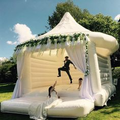 Wedding Bouncy Castle Trend The latest news on Wedding Planning is on POPSUGAR UK. On POPSUGAR UK, you will find news on entertainment, celebrities and Wedding Planning. Cute Wedding Ideas, Wedding Games, Wedding Trends, Perfect Wedding, Wedding Activities, Wedding With Kids, Unique Wedding Themes, Unique Weddings, Outdoor Weddings