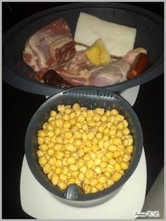 Puchero con Thermomix Food N, Food And Drink, Thermomix Soup, Meat Recipes, Cooking Recipes, Kitchen Dishes, Savoury Dishes, I Foods, Food To Make