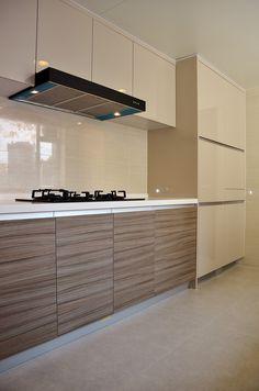 Cozy Kitchen with Graining Pattern Door Front