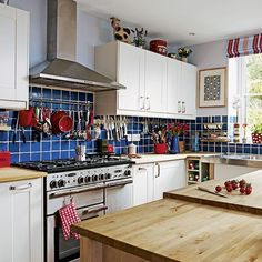 White and grey high gloss kitchen   Kitchen decorating   Ideal Home   Housetohome.co.uk