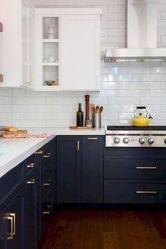 White farmhuse kitchen cabinet makeover ideas (77)