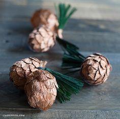 Beautiful Crepe_Paper_Pinecones from Origami Paper Art, Diy Paper, Paper Crafts, Rustic Christmas, Christmas Tree Ornaments, Christmas Crafts, Christmas Decorations, Pinecone Ornaments, Paper Ornaments
