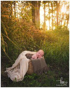 Outdoor Newborn Photos, Outdoor Newborn Photography, Baby Boy Photos, Baby Pictures, Baby Boy Newborn, Newborn Session, Photographing Babies, Picture Ideas, Photo Ideas