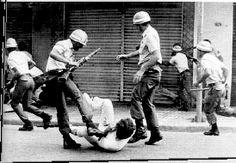 Sofá de Pobre: Hipocrisia em 31 de março. Comunistas criticam Dit...