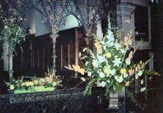 Flower Arrangements For Church Altar | Church Flower Arranging