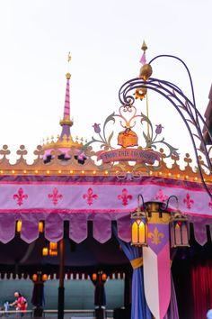 Disneyland: The Official Travel Guide + Insider Advice - Annie Fairfax - Disneyland The Ultimate Travel Guide by Annie Fairfax Disneyland Travel Tips Advice - Travel Guides, Travel Tips, Travel Destinations, Travel Articles, Travel Advice, Best Amusement Parks, Disney California Adventure Park, Disneyland Park, Best Places To Eat