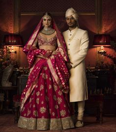 Check out Sabyasachi Bridal Lehenga designs collection that are perfect wedding lehenga for the bride to be. Look gorgeous in these elegantly crafted Sabyasachi Bridal lehengas. Indian Lehenga, Sabyasachi Lehenga Bridal, Anarkali, Banarasi Lehenga, Pink Lehenga, Pakistani, Indian Bridal Outfits, Indian Bridal Wear, Indian Dresses
