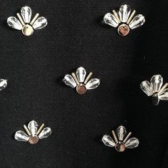 Wonderful Ribbon Embroidery Flowers by Hand Ideas. Enchanting Ribbon Embroidery Flowers by Hand Ideas. Kurti Embroidery Design, Crewel Embroidery Kits, Bead Embroidery Patterns, Couture Embroidery, Silk Ribbon Embroidery, Embroidery Fashion, Embroidery Jewelry, Hand Embroidery Designs, Embroidery Dress