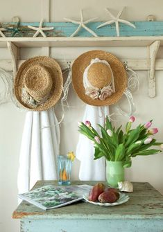 Shabby chic vintage style decor in a FL cottage: http://www.completely-coastal.com/2015/08/small-shabby-chic-beach-cottage-FL.html #beachstyles