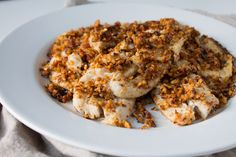 Seafood with a kick! Sriracha almond crusted tilapia is satisfyingly crunchy and bursting with flavor. Cooked Salmon Recipes, Slow Cooked Salmon, Fish Recipes, Healthy Dinner Recipes, Tilapia Dishes, Crusted Tilapia, Food Print, A Food, Food Processor Recipes