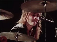 Roger Taylor. Queen Live at the Rainbow '74 (March).
