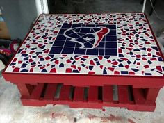Awesome Houston Texans patio table for man cave - FSU theme instead Houston Texans Football, Dallas Cowboys, Denver Broncos, Houston Texans Party, Pittsburgh Steelers, Bulls On Parade, Football Crafts, Sport Craft, Arts And Crafts