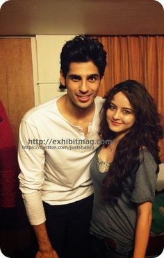 Recent Unseen Pic of Siddharth Malhotra with fan
