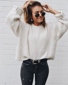 30 Fall Street Style Outfits To Try Right Now ootd / knit sweater and black skinny jeans Mode Outfits, Trendy Outfits, Fashion Outfits, Womens Fashion, Fashion Trends, Jackets Fashion, Outfits 2016, Jeans Fashion, Warm Outfits