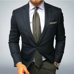 Simple but stylish. #style #suit #fashion