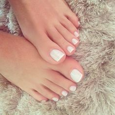 white french toe nails Foot Pedicure, White Pedicure, French Tip Toes, White French Nails, French Manicure Toes, French Toe Nails, French Pedicure Designs, Simple Toe Nails, Cute Toe Nails