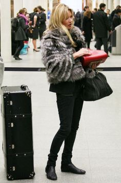 4eb99ba6e3a jchristinal  Kate Moss in Sanaz Shirazi collection. Tweed, Streetwear,  Trendy W Modzie