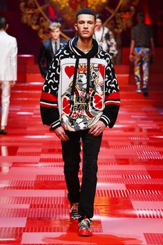Discover Videos and Pictures of Dolce & Gabbana Summer 2018 Menswear Fashion Show on Dolcegabbana.com. #MensFashion2018