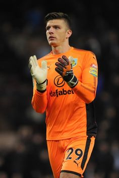 Nick Pope of Burnley claps the fans during the Carabao Cup Third Round match between Burnley and Leeds United at Turf Moor on September 19, 2017 in Burnley, England.